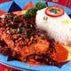 ペスカド アラ アヒージョ 白身魚を丸ごと揚げた一品
