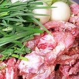 【厳選された鶏ガラと新鮮野菜】