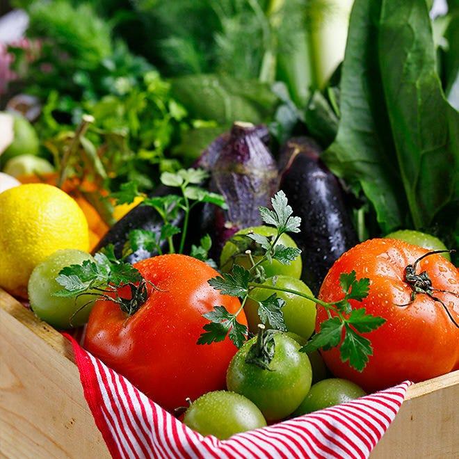 契約農家さんの旬の食材を使用した大人気の健康ランチ♪