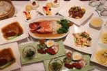 料理長特選コース  ¥8500<税込>  フカヒレ姿煮など、本格的な料理の数々!!