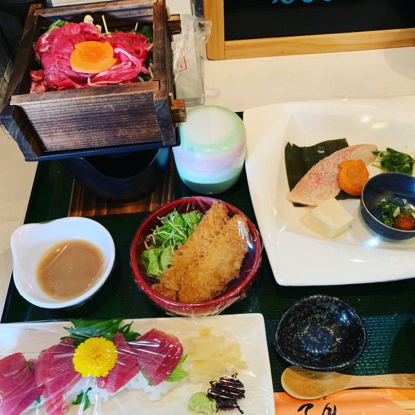 ◎新鮮な食材と旬の魚をいかした日替わりお奨め定食あります。