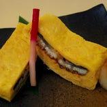 たっぷりとだしを染み込んだふわふわの玉子で鰻をまいた一品料理