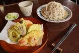 夏野菜の天ぷらそば