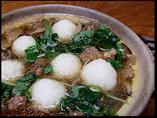 エビのすり身を入れて丸めたご飯 と比内地鶏を煮込んだ名物鍋