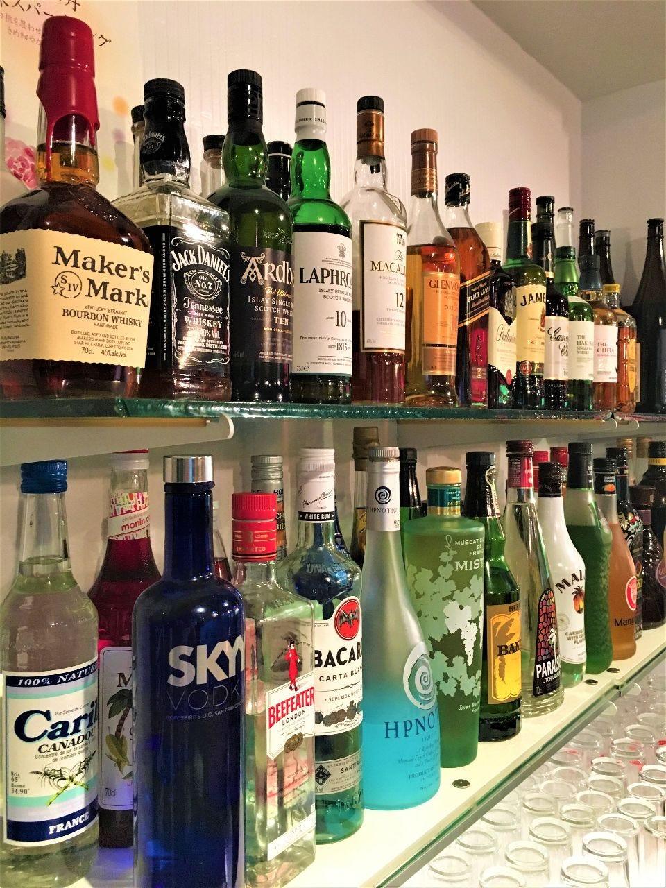 種類豊富なウイスキー&カクテル