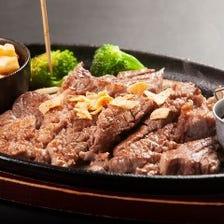 肉料理も豊富にご用意しております