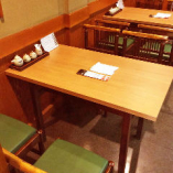 テーブル席は少人数でのご利用に最適です