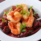 厳選素材を生かし豪快かつ繊細に仕上げた料理は五感に響く名品。