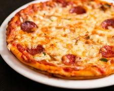 自家製ミックスピザ