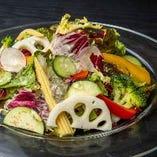 彩り野菜のコラーゲンサラダ