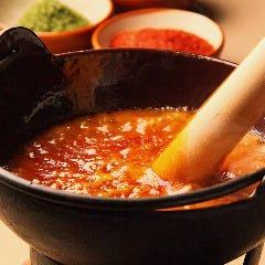 横丁の特製もつ鍋【赤味/ヤンニン味噌】