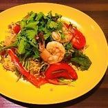 タイ現地の味 ヤムママー