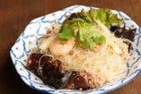 辛!温サラダ、タイの定番 ヤムウンセン