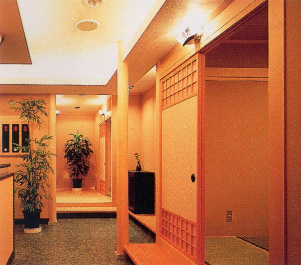 2階スペースは小人数個室をご用意しています。