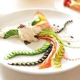 伝統の技で作り上げられる料理の数々