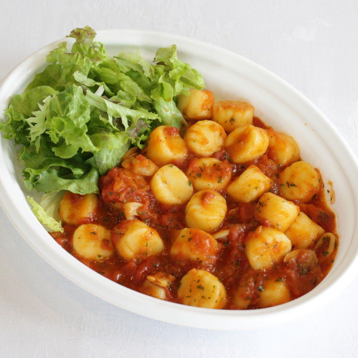北海道産キタアカリのじゃが芋のニョッキシーフードトマトソース
