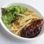 バーベキューソースが美味「横須賀産豚肉のスペアリブ」