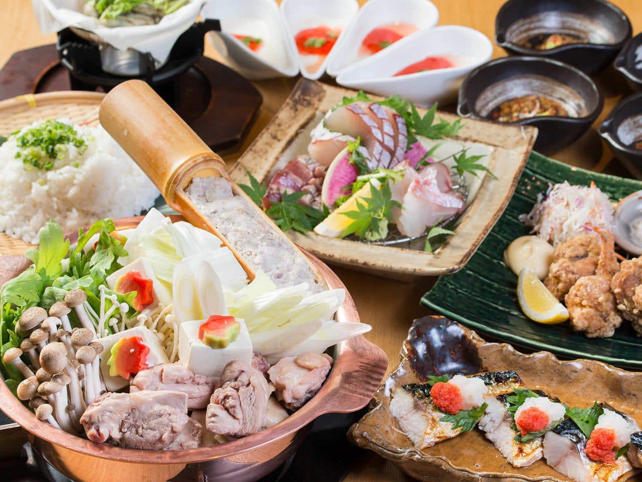 博多 名物水炊き鍋をはじめ九州名物を盛り込んだ定番セット