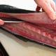 料理人の魚さばきが、旨い刺身になります!