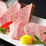 【適度なサシ】 和牛肉は「適サシ」のA4ランクにこだわる