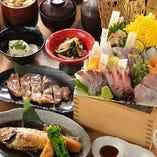 2時間飲み放題付き宴会コース各種5,000円~ご用意しております!