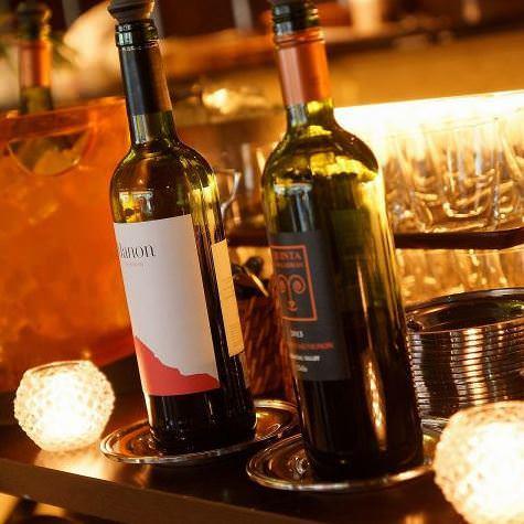 お料理にぴったりなワインは種類豊富に取り揃えています。