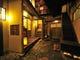 1階にある純和式の中庭は、 食事の休憩場所に。