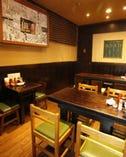 宴会は着席で23名様まで店内は36名様までご利用可能です。