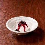 フロマージュブラン(カシス/白桃)~自社牧場産オーガニック生乳使用~