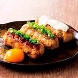 特製つくね 3種(黄添え/玉ねぎ塩ダレ/チーズソース)