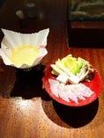 ミーバイ、真鯛、マグロ、水ダコなどお好きなネタを紙鍋で・・。