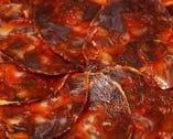 粗挽きイベリコ豚の熟成生サラミ   (黒胡椒風味&パプリカ風味)