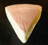 ロビオーラ(北海道 酪恵舎、牛乳製、ウォッシュタイプ)