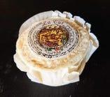 ラトゥール(牛 羊 山羊の混乳製、ソフトタイプ)