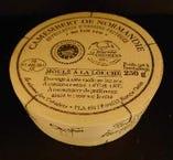 カマンベール ド ノルマンディ(フランス産、牛乳製、白カビタイプ)