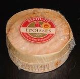 エポワス(フランス産、牛乳製、ウォッシュタイプ)