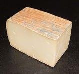 クアドレッロ ディ ブーファラ(イタリア産、水牛乳製、ウォッシュタイプ)