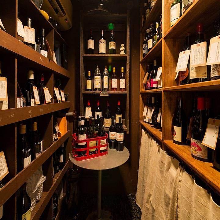 100種以上のソムリエ厳選ワイン