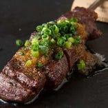 肉厚ハラミと旨味を引き出すジャポネーズソースが人気の秘密です