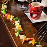 彩り豊かな旬の野菜など、見た目にも美味しい料理がたくさん