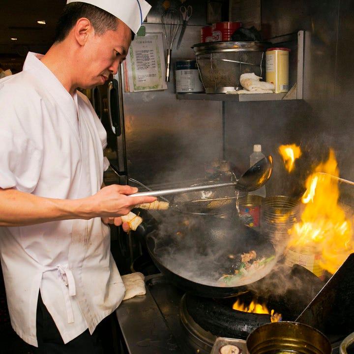 本場のシェフが腕振るう四川料理