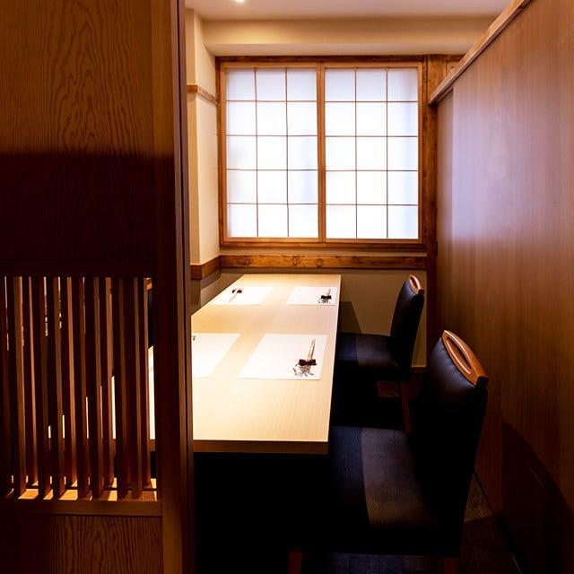 和の趣が心地よい個室空間