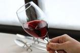 1)ワインの外観を見る
