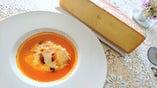③スープ・ド・ポワソンにラクレットチーズを添えて