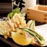 【天ぷら】 四季折々の食材をサクッと軽い食感に揚げました