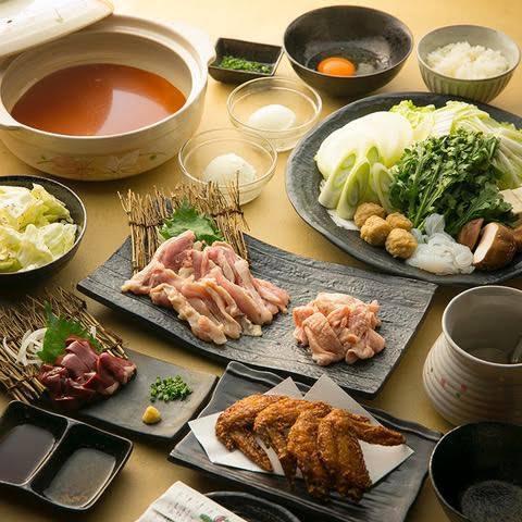 【厳選】朝引き鶏を使って贅沢に!!旨辛のお出汁の『鶏赤鍋セット』全6品+飲み放題4,780円(税込)