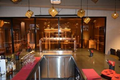 クラフトビールダイニング BEER&246 aoyama brewery 店内の画像
