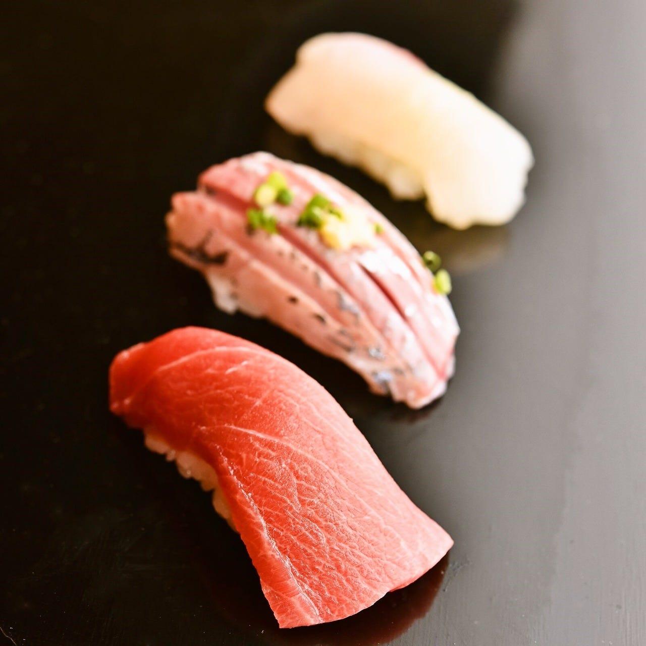 ◆築地直送の新鮮な魚介