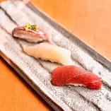 新鮮な魚介を熟練の職人が丁寧ににぎっておもてなしします