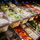 20種類のお野菜をカートにてご提供いたします。